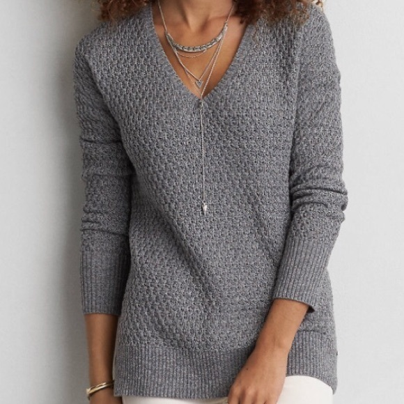 American Eagle grey vneck sweater
